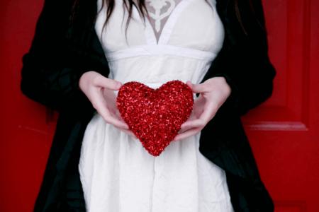 【バレンタイン攻略!】告白はあり?恋愛成就のための男女別解説!
